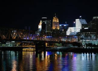 Cincinnati Ohio By Jeff Kubina